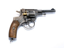 充电与与展开的鼓旁边锁的设备的一把左轮手枪 库存图片