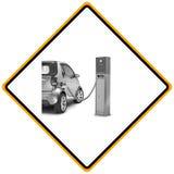 充电电显示的符号岗位的汽车 图库摄影