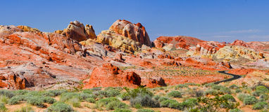 充满活力的沙漠谷 免版税库存照片