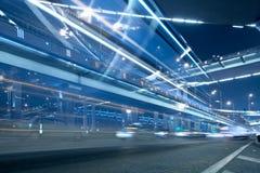 兆城市的高速公路 库存照片