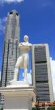 先生抽彩售货雕象新加坡 免版税库存图片