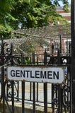 先生们公共厕所标志 库存图片