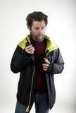 先生 送冰人侵略,他谈话在携带无线电话 图库摄影