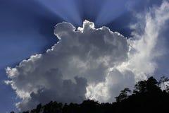 光亮的云彩在北部孟加拉 免版税图库摄影