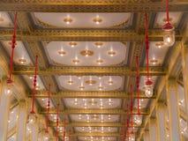 光和样式在天花板在博物馆大厦在R 库存图片