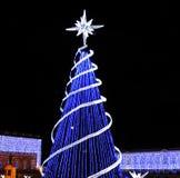 光和街道装饰在圣诞节时间在波哥大,哥伦比亚 库存图片