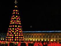 光和街道装饰在圣诞节时间在波哥大,哥伦比亚 免版税库存图片
