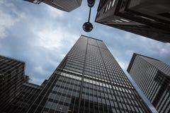 光和阴影在曼哈顿现代建筑学 免版税库存图片
