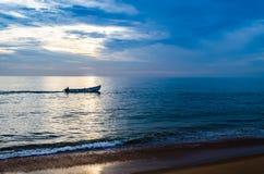 光和阴影-生活旅途  免版税库存图片