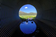 光在隧道的末端 免版税图库摄影