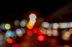 光弄脏了汽车光在作为背景使用的路的 库存照片