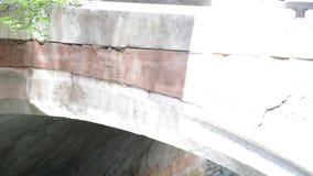 光戏剧在一座桥梁的在威尼斯录影 股票录像