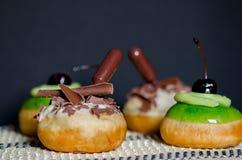 光明节庆祝的新鲜的鲜美油炸圈饼