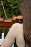 光秃的肩膀小提琴 免版税图库摄影