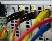 光纤连接到服务器和存贮。 库存图片
