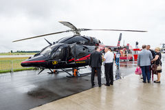光,双发动机直升机由响铃直升机和韩国航天工业-响铃429 GlobalRanger开发了 免版税图库摄影