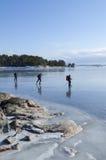 溜冰者在斯德哥尔摩群岛 库存照片