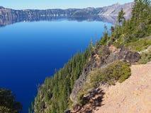光滑的Crater湖 免版税库存照片