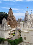 克久拉霍寺庙小组纪念碑在有色情雕塑的印度在墙壁上 免版税库存图片