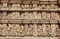 克久拉霍被雕刻的背景有印度神和女神的 科教文组织遗产站点 库存照片