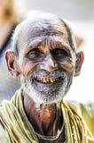 克久拉霍,印度, 2010年9月17日:老印地安人面孔smilin 免版税库存照片