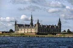 克伦堡城堡在丹麦,从水的看法,晴朗的夏天da 库存照片