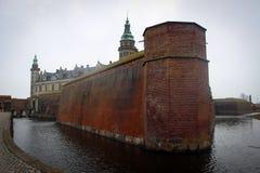 克伦堡城堡视图在赫尔新哥,丹麦 免版税库存照片