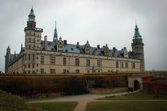 克伦堡城堡视图在赫尔新哥,丹麦 免版税库存图片