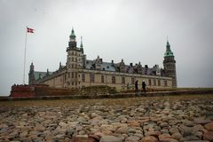 克伦堡城堡视图在赫尔新哥,丹麦 免版税图库摄影