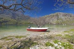 克利特海岛kourna湖 图库摄影