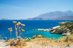 克利特,希腊天蓝色的海岸  免版税图库摄影