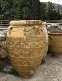 克利特,希腊- 2017年11月:在Knossos宫殿,克利特的古老amphorae 图库摄影