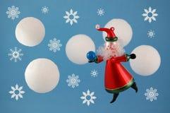 克劳斯对城镇的以后的圣诞老人 免版税库存图片