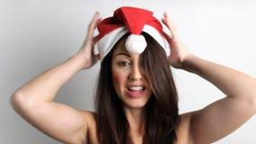 克劳斯帽子圣诞老人佩带的妇女 股票视频