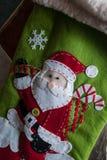 克劳斯・圣诞老人 毛毡的应用 球圣诞节查出的心情三白色 免版税库存照片