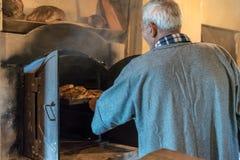 贝克在Ghajnsielem村庄在戈佐岛,马耳他 免版税图库摄影