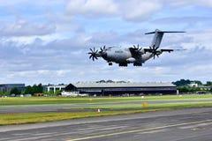 洛克希德c-130Hercules着陆 免版税库存照片