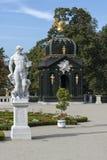 巴洛克式的亭子在Branicki从事园艺, Bialystok,波兰 免版税库存图片