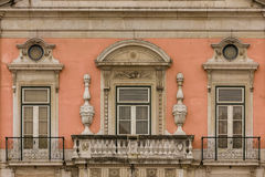 巴洛克式的阳台和窗口。福兹宫殿。里斯本。葡萄牙 库存图片