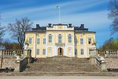 巴洛克式的Steninge宫殿(Steninge庄园)的外部在斯德哥尔摩,瑞典外面 免版税库存照片