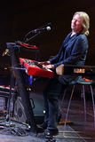 维克托Drobysh在阶段的钢琴执行在维克托Drobysh第50个年生日音乐会期间在巴克来中心 库存图片