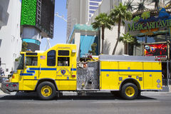 克拉克县消防队在拉斯韦加斯大道的医务人员卡车 库存图片