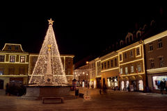 克拉尼,斯洛文尼亚- 2016年12月7日:圣诞节装饰照明设备在克拉尼 免版税库存图片