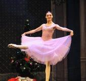 克拉拉是女孩这芭蕾胡桃钳 库存照片