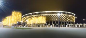 克拉斯诺达尔,俄罗斯- 2018年12月27日:体育场用圣诞灯2018年12月27日装饰的克拉斯诺达尔足球俱乐部 免版税库存照片