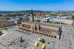 克拉科夫波兰 老镇集市广场和布料霍尔 库存照片