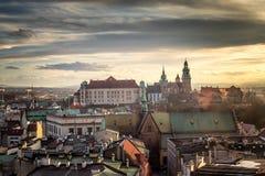 克拉科夫,从历史的城市上的看法有Wawel城堡的 免版税库存图片