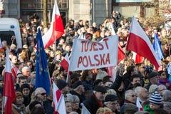 克拉科夫,大广场-民主的保护的委员会的示范 免版税库存图片