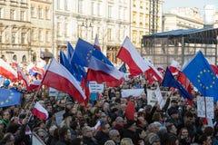 克拉科夫,大广场-民主的保护的委员会的示范 库存图片