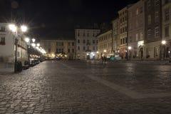 克拉科夫,小集市广场在夜之前 免版税库存图片